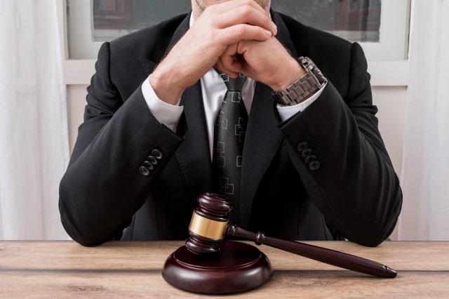 מה הוא תפקידו של עורך דין פלילי במערכת המשפטית